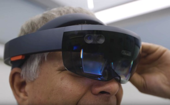 engadget-hololens-copy